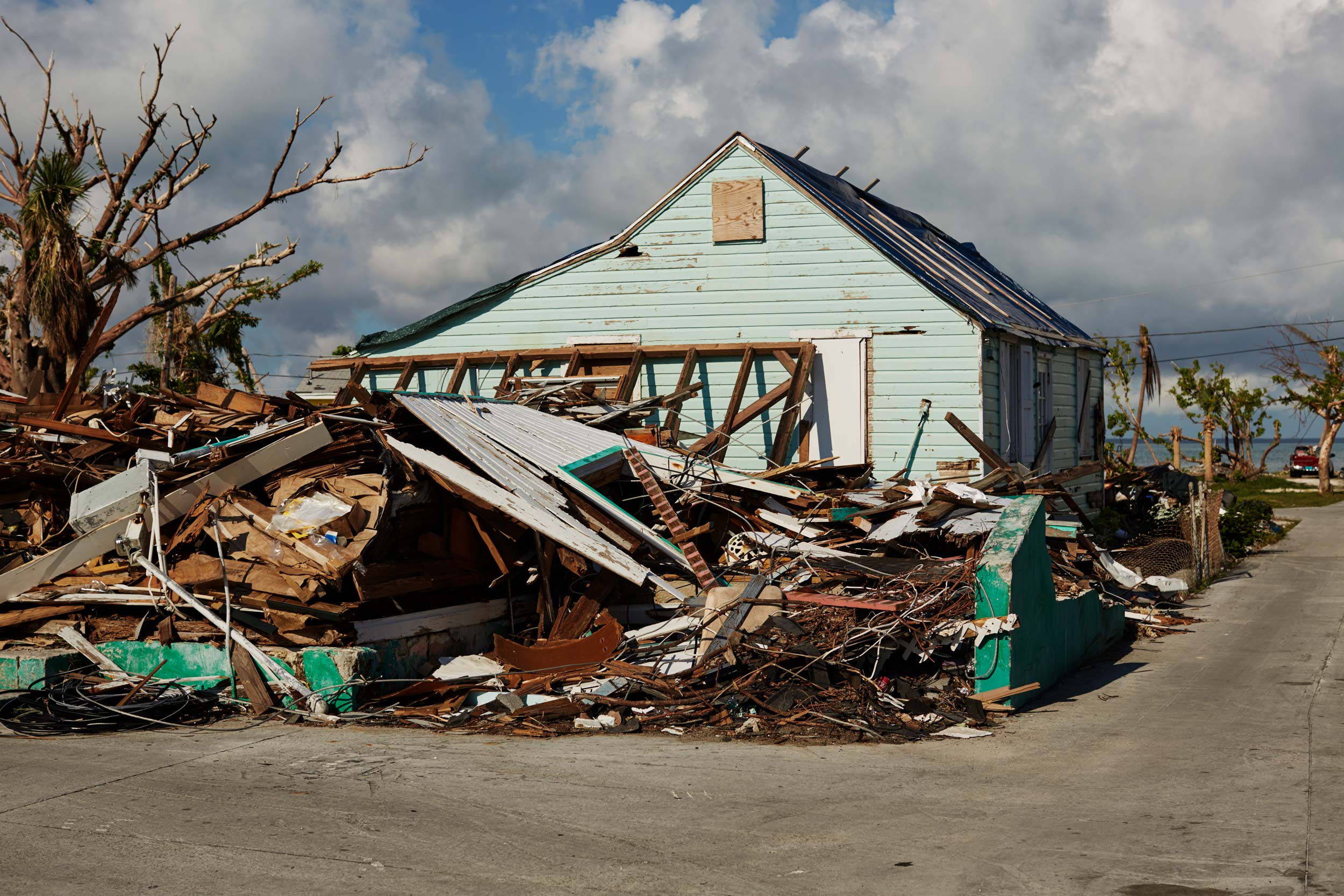 4-H911-BAHAMAS-HOUSE-DESTROYED-1
